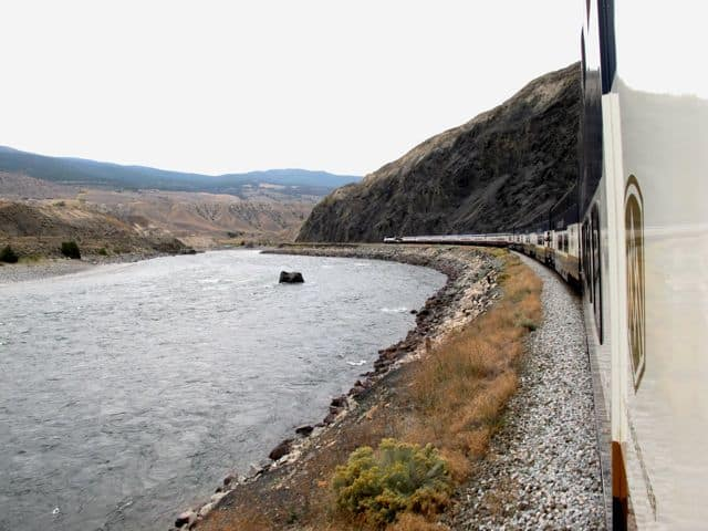 rocky-mountaineer-thomson-river-photo