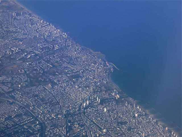 tel-aviv-plane-window-view-photo