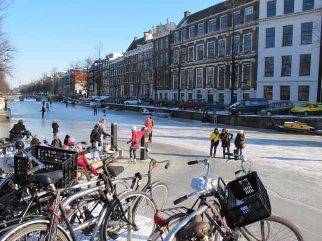 amsterdam-frozen-canals-photo
