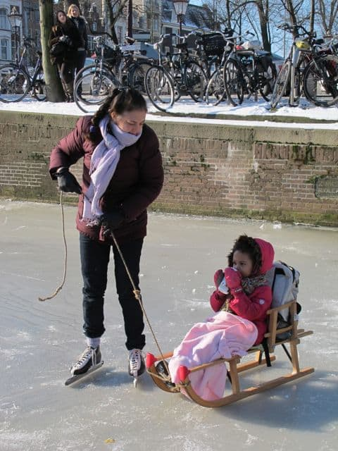 mother-child-sled-photo