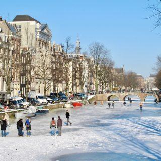 canal-skating-netherlands