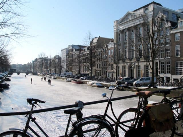 amsterdam-keizersgracht-frozen-canal-photo