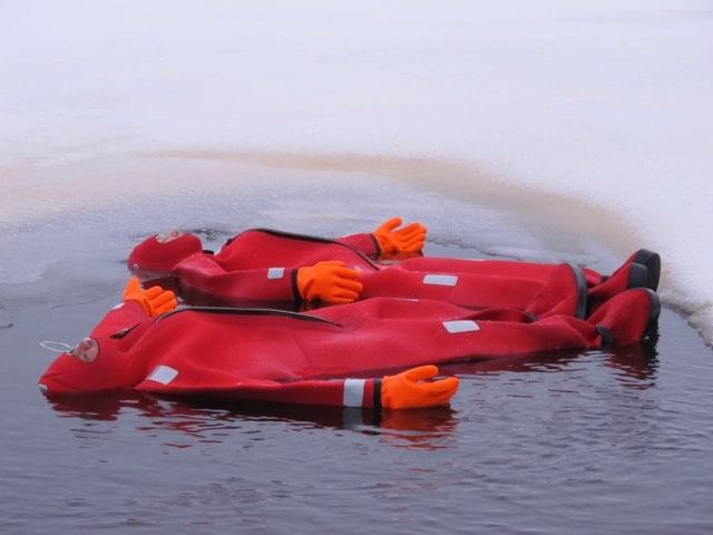 ice-floating-finland-photo