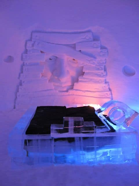 ice-hotel-suite-photo