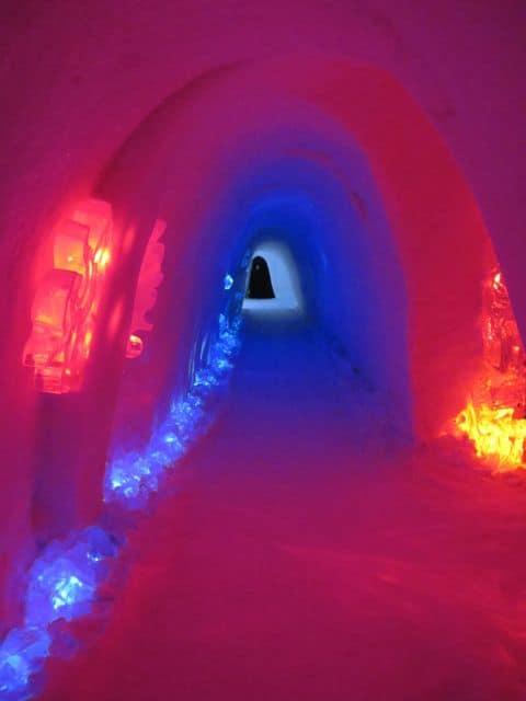 passage-snow-hotel-lighting-photo