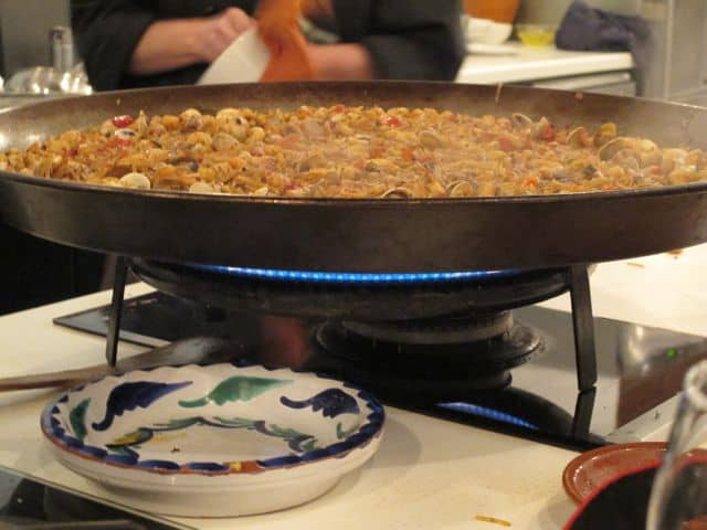 fideua-noodle-paella-photo