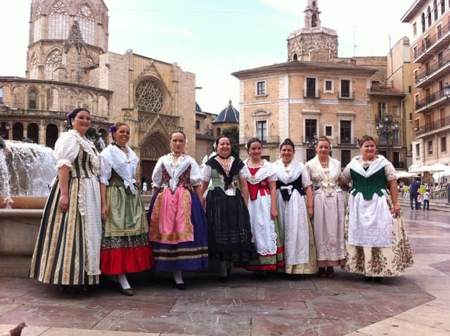 traditional-costumes-valencia