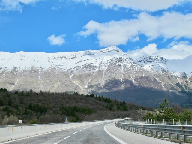 abruzzo-mountains-photo