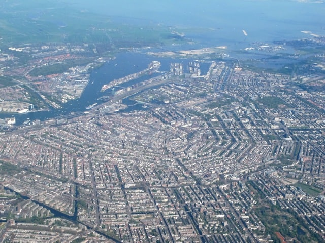aerial-view-amsterdam-canals-photo