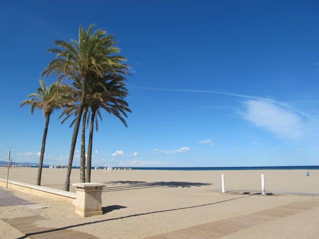 las-arenas-beach-valencia-photo
