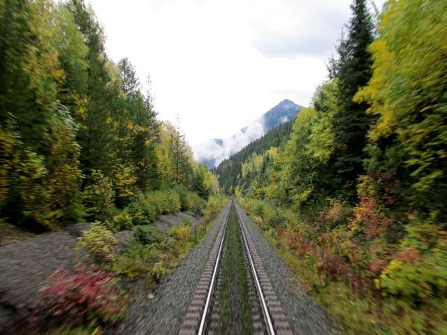 train-tracks-rockies-fall-colors-photo