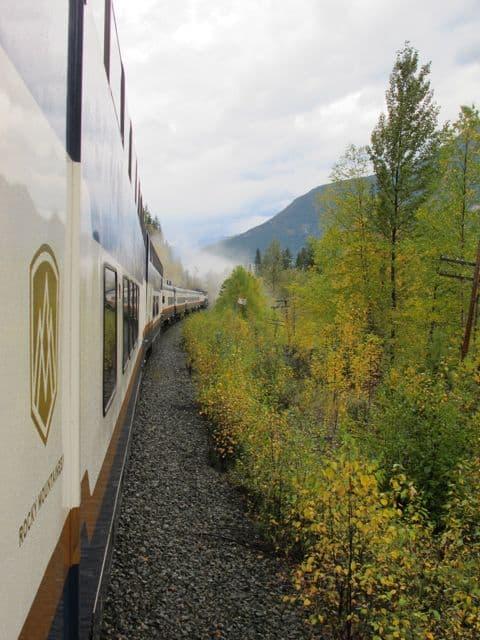 rocky-mountaineer-train-photo