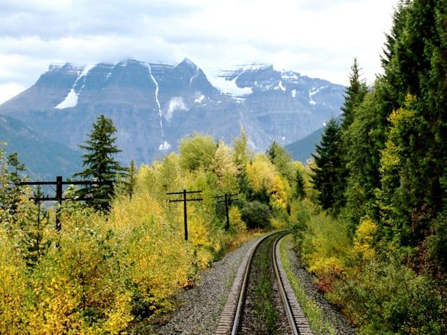 mount-robson-rockies-fall-colors-photo