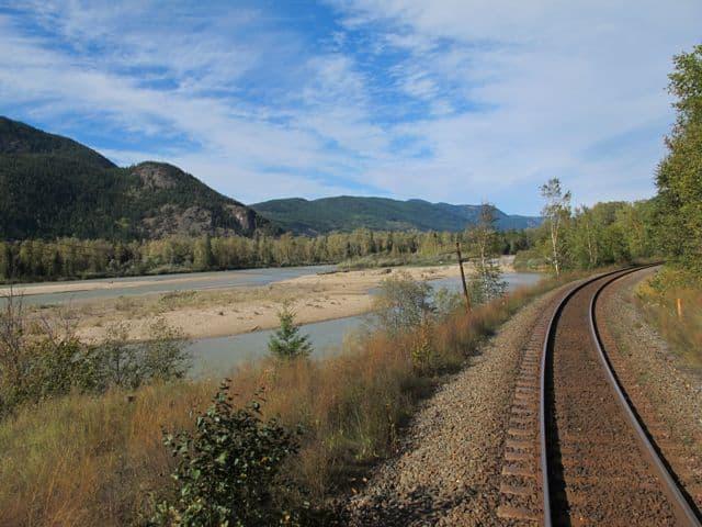 train-tracks-Kamloops-photo
