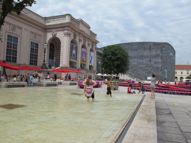 pool-museum-quarter-vienna-photo
