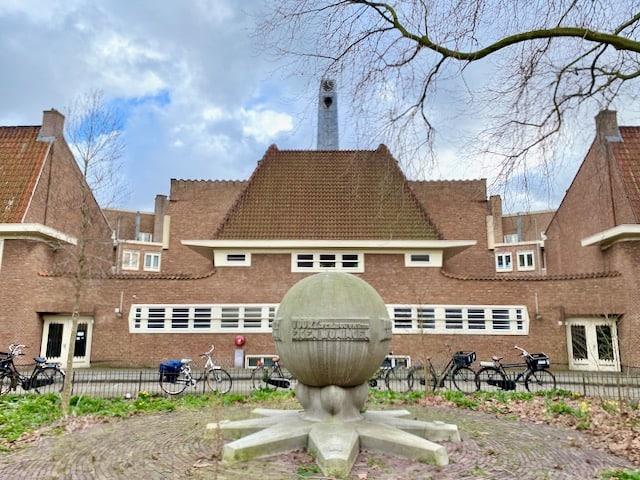 amsterdam-school-architectural-style-photo