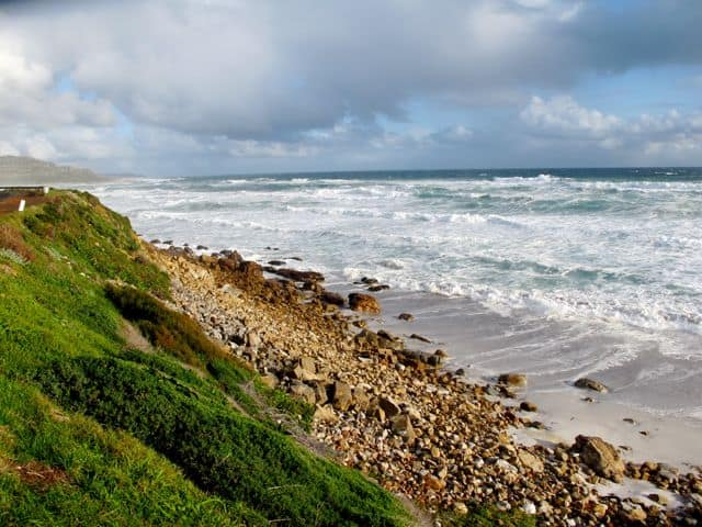 misty-cliffs-coast-photo