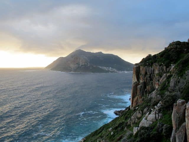 cliffs-hout-bay-chapmans-peak-photo