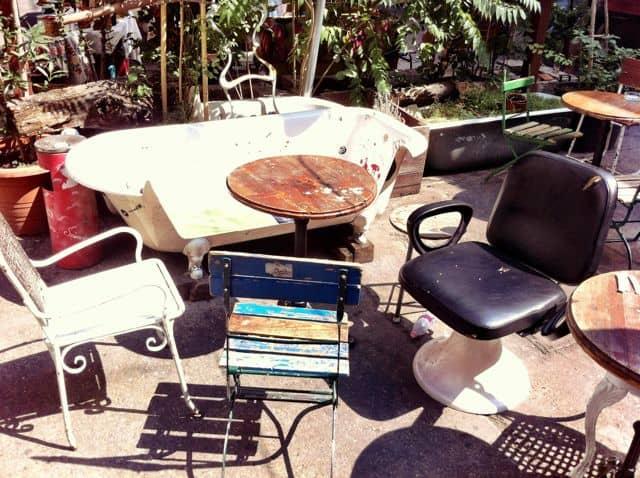 szimpla-bar-budapest-chairs-photo