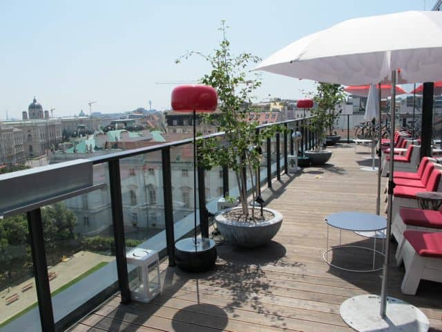 25-hours-hotel-dachboden-terrace-photo