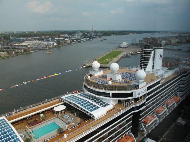 cruise-ship-amsterdam-photo