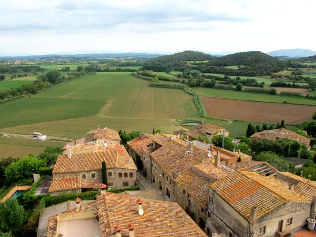 castell-d-emporda-country-view-photo