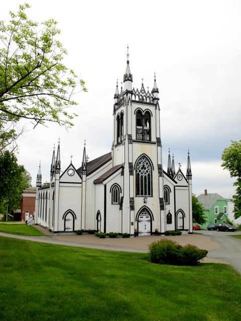 st-johns-anglican-church-lunenburg-photo