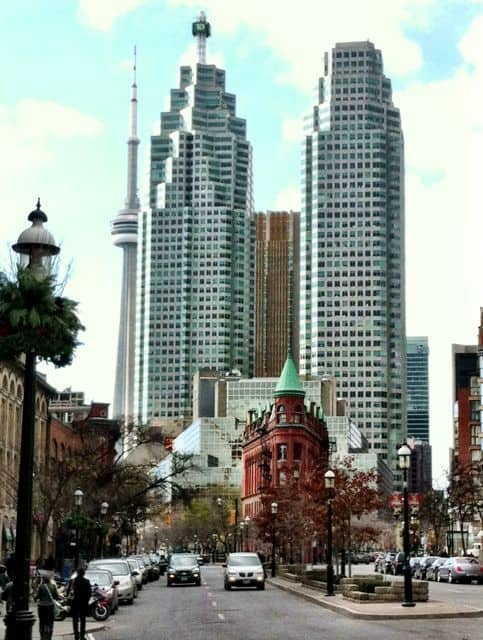 flatiron-building-toronto-skyscrapers-photo