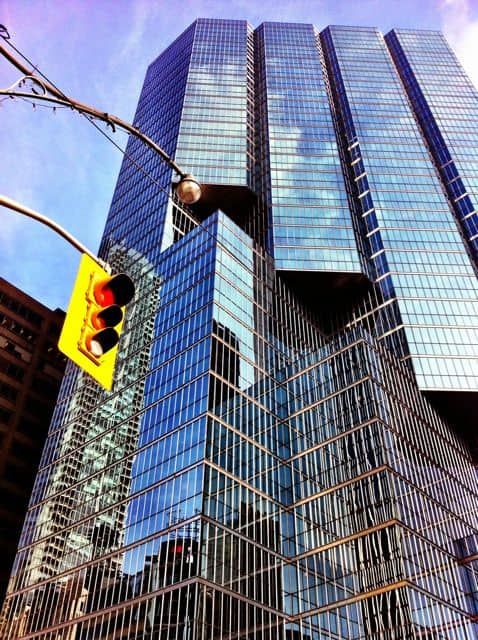 glass-skyscraper-toronto-photo