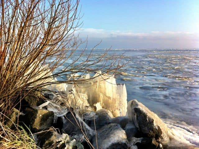 frozen-markermeer-photo