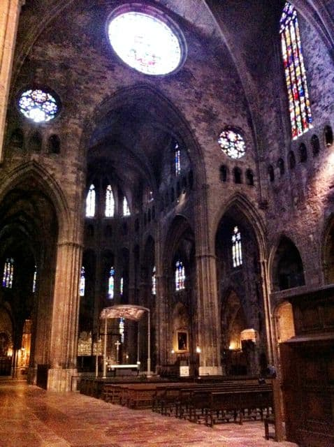 girona-cathedral-interior-photo