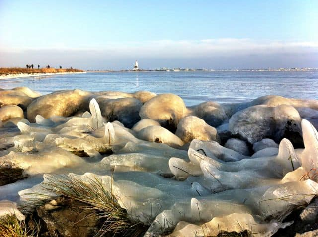 ice-marken-lighthouse-photo