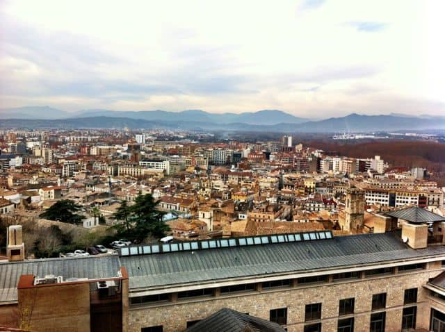 girona-city-walls-view-photo