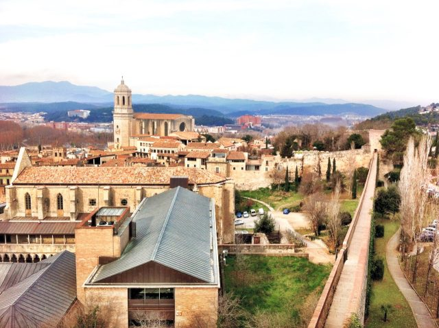 sant-domenec-girona-walls-view-photo