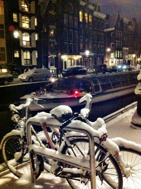 snow-in-amsterdam-photo