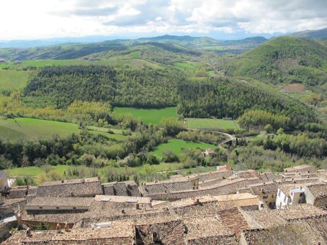rooftops-civitella-del-tronto-photo