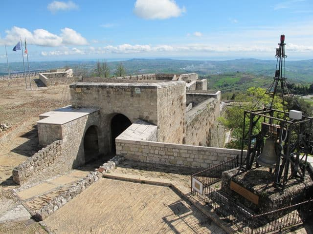 civitella-del-tronto-fortress-photo