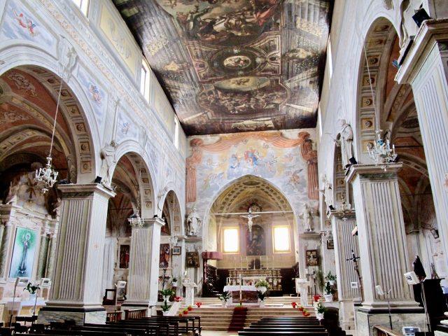santa-maria-church-campli-abruzzo-photo