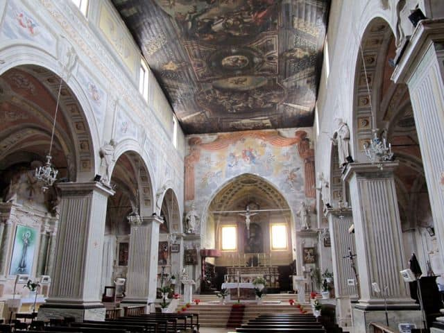 santa-maria-church-campli-photo