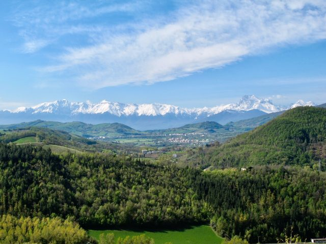 gran-sasso-mountain-view-photo