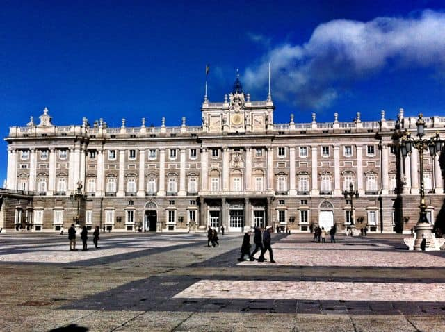royal-palace-palacio-real-madrid-photo