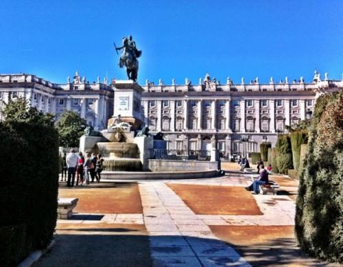 royal-palace-madrid-photo