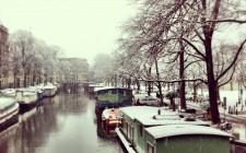 snow-trees-canal-amsterdam-photo