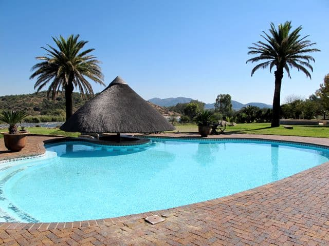 stonehenge-africa-lodge-parys-pool-photo