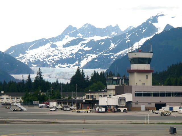 airport-juneau-alaska-photo
