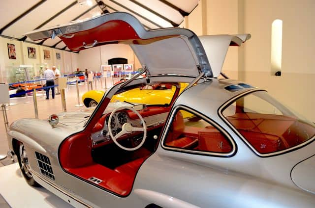 mercedes-benz-gullwing-photo