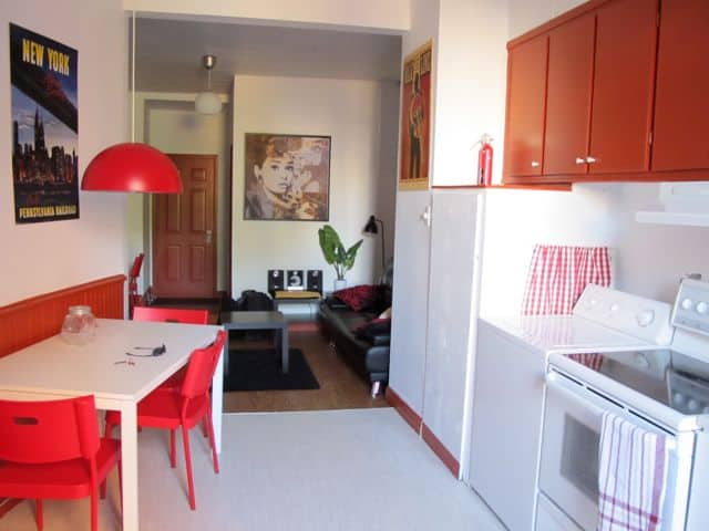 The apartment I stayed at is located in the heart of Plateau Mont-Royal. I loved its bright colours and airy spaces, but most of all, its location right in the midst of this hip neighbourhood and minutes away from the nearest Metro station.