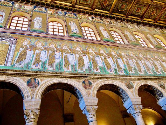 basilica-sant-apollinare-nuovo-ravenna-mosaics-photo