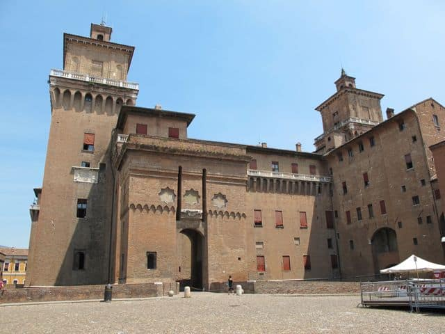 estense-castle-ferrara-photo
