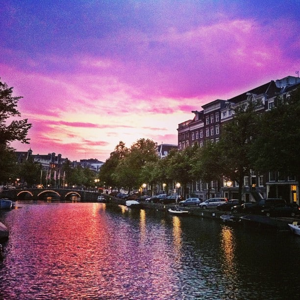 sunset-canal-amsterdam-photo